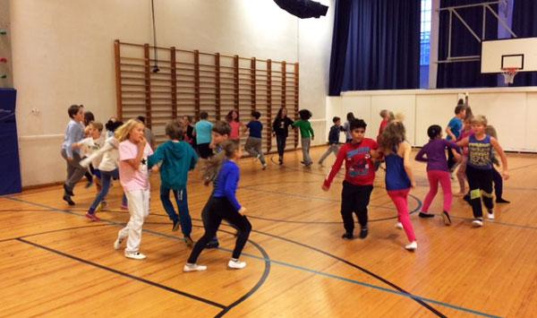 Elias_koulun_tanssiharjoitukset2015
